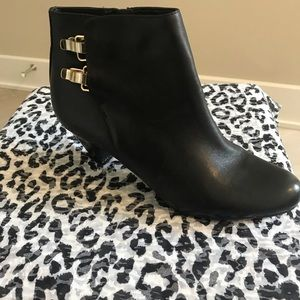 Just in 🛒 Sam Edelman leather bootie🌻